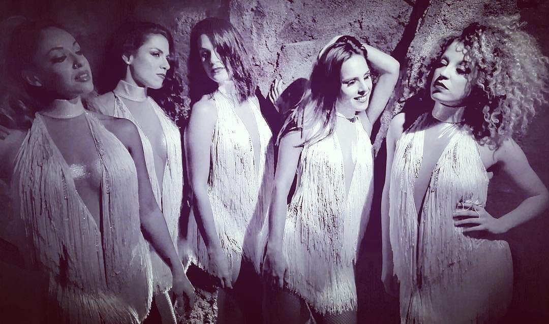 Nuestras #bailarinas tienen muchas sorpresas para despedir el año! ¿Te lo vas a perder? ¡¡Despide el #año a lo GRANDE!! #CafédelMar #Meloneras #GranCanaria  #club #restaurant #cabaret #31diciembre #newyear